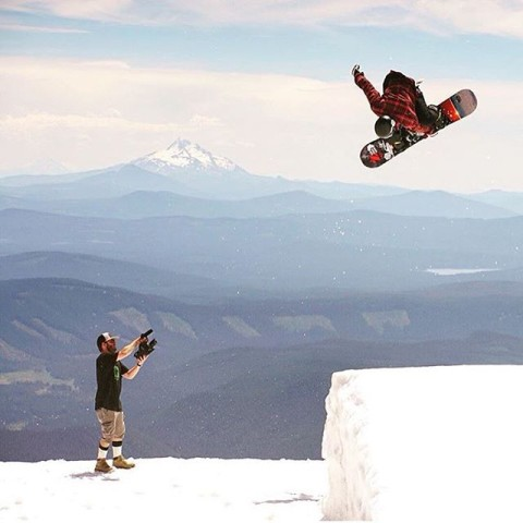 Super stoked on #av7renegade and badass Ugandan snowboarder @thabyron_ma getting a hype up on Vice sports! Check the link in our bio! #avalon7 #liveactivated #snowboarding #futurepositiv