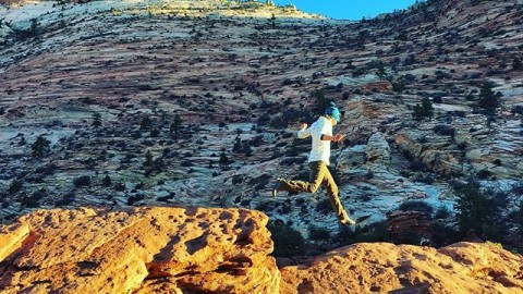 It's spring! Time to dance in the desert. @kyehalpin  @bree.buckley #A7CO #followthestoke www.avalon7.co