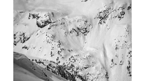 Adventurer @devinthemountains enjoying the spring storms. #avalon7 #followthestoke #snowboarding www.avalon7.co