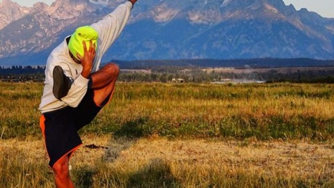 @richiebeats goes for second base in the Tetons. #avalon7 #liveactivated #yoga @yogatoday www.wearealladventurers.com