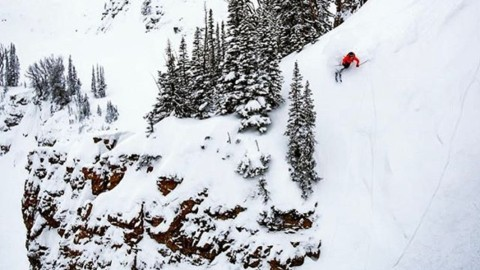 @steezyweezy points it perfectly into a pretty pocket of pow @jacksonhole #AVALON7 #liveactivated #skiing www.a-7.co