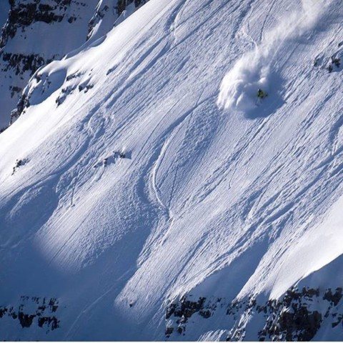 Adventurer @steezyweezy getting into some early season gnar on Pucker Face in @jacksonhole.  Snow conditions have changed dramatically, Avy danger is considerable, please be safe out there folks! Photo @mtlancaster #AVALON7 #liveactivated #skiing www.avalon7.com