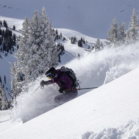 What makes you truly happy? For us it's riding powder with friends!  @lynseydyer finds a #momentofstoke at @jacksonhole. #AVALON7 #liveactivated #seekthespark www.avalon7.com