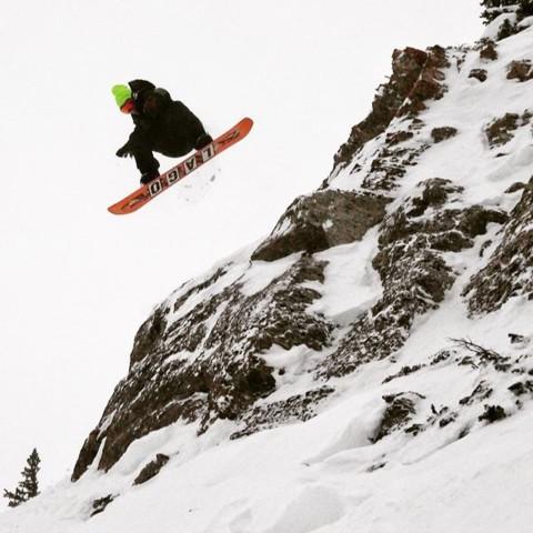 #A7Artist @richiebeats likes to jump cliffs @jacksonhole  #liveactivated #snowboarding www.avalon7.com