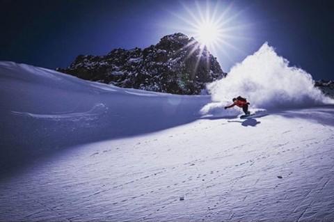 Badass shredder @halinalaboyd exits the pow vortex at high velocity. Photo: @dirkcollins  #staystoked #snowboarding