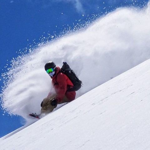 20 inches of snow expected in the Tetons this weekend got us thinking of this!  Rider: @cooperk Photo: @robkingwill #avalon7 #staystoked #snowboarding www.a-7.co