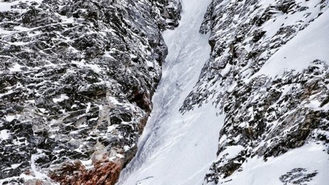 @nathanielmurphy finds a fun line in the Tetons this spring.  #seekthestoke #splitboarding #earnyourturns