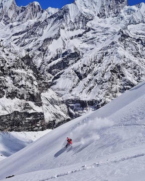 @sethwescott finds a moment of stoke in Nepal. #mindsurfmonday #momentsofstoke #seekthestoke #snowboarding
