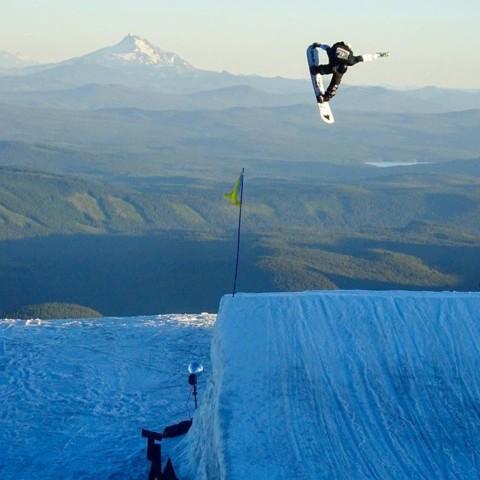 @lukewinkelmann is a boss.  Straight slaying it at the @ussnowboardteam night shoot at @timberlinelodge. #seekthestoke #snowboarding